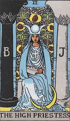 【2番:女教皇(The High Priestess)】・・・洞察、直観力
