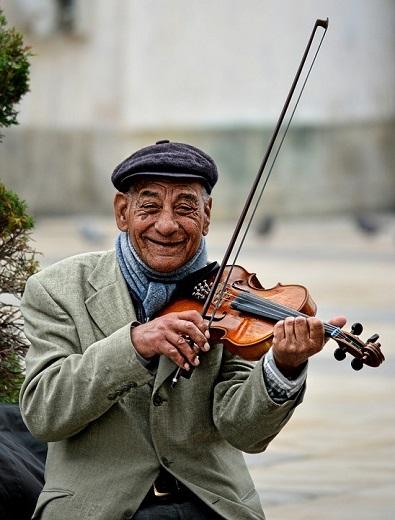 バイオリンの音を出してみましょう
