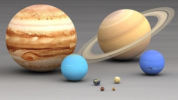 ホルスト組曲「惑星」全曲の聴き所、背景、おすすめ名盤を解説!華麗なるオーケストラ。宇宙に響くトランペット!夏といえば天体観測!宇宙の謎はここまで解明された!