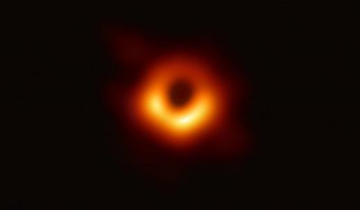 人類初の映像化された本物のブラックホール